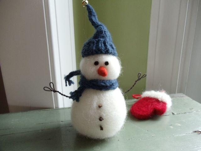 Needle Felted Snowman | Needlefelting | Pinterest | Felt snowman ...