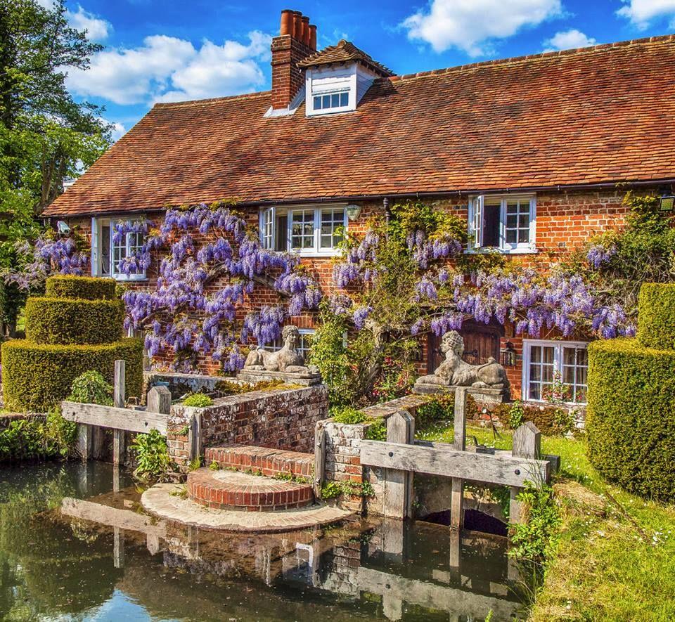 Hampshire England, English Cottage