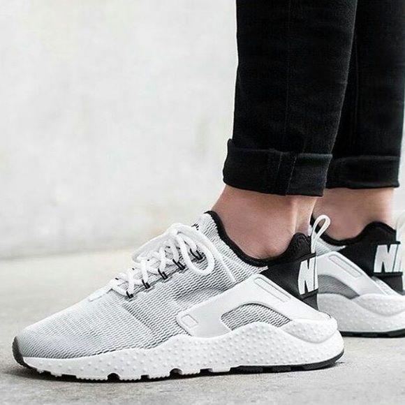 NIKE AIR HUARACHE ULTRA in white Size 7 women's. Nike Shoes ...