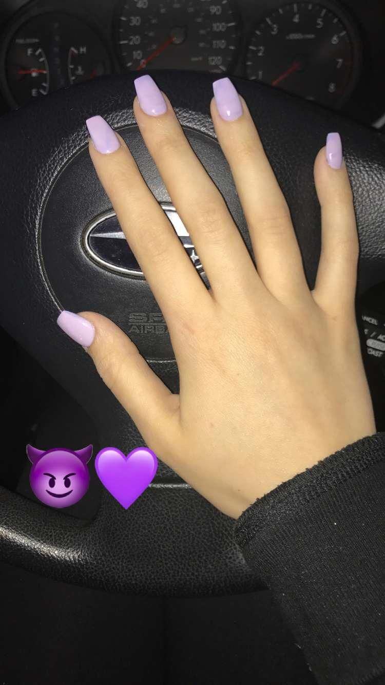 Kinda Like These Acrylics And Jealous Of Her Hands Beautifulacrylicnails Lavender Nails Short Acrylic Nails Chic Nails