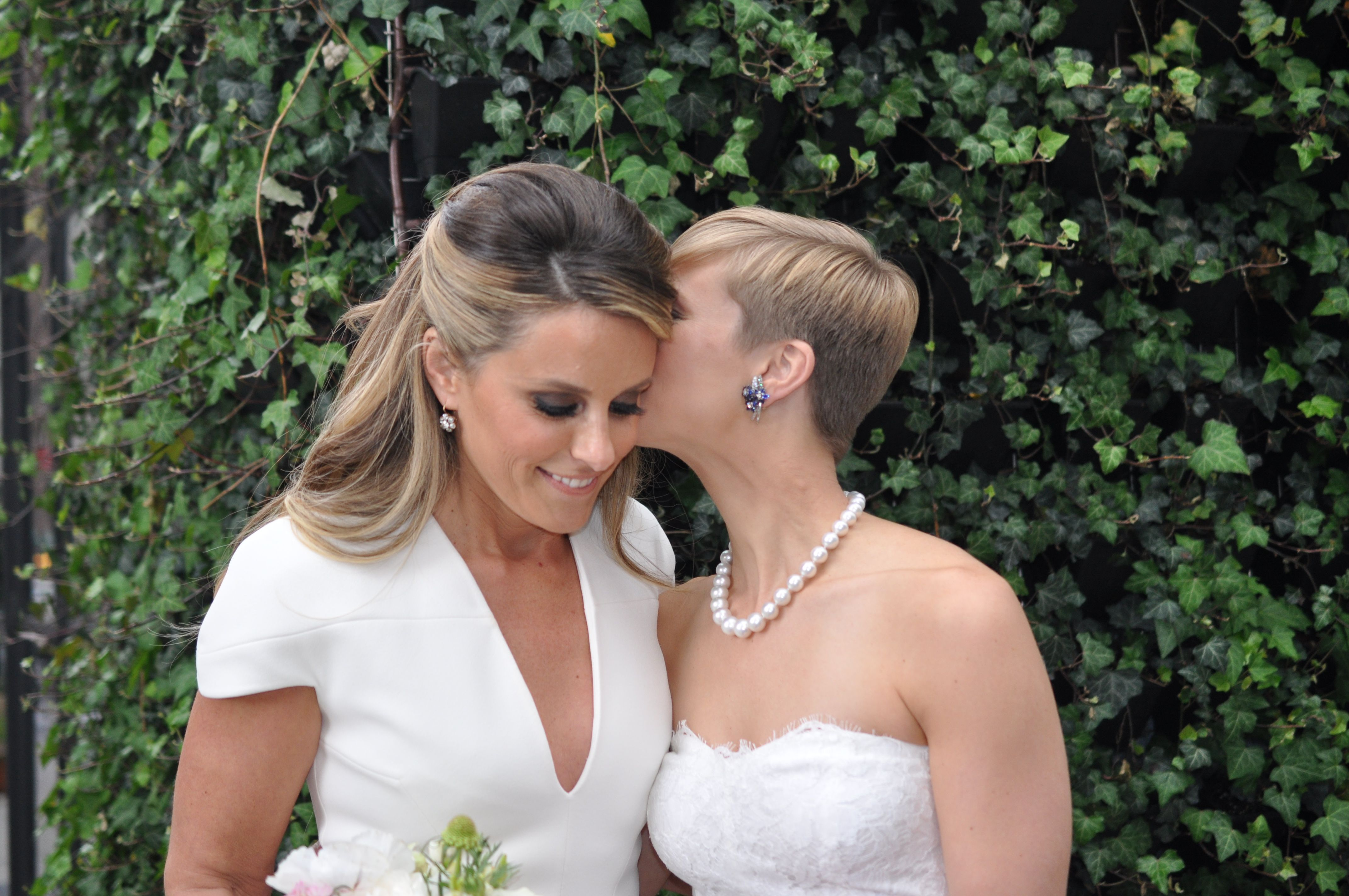 liz parker and sarah tallman's new york city wedding | weddings we