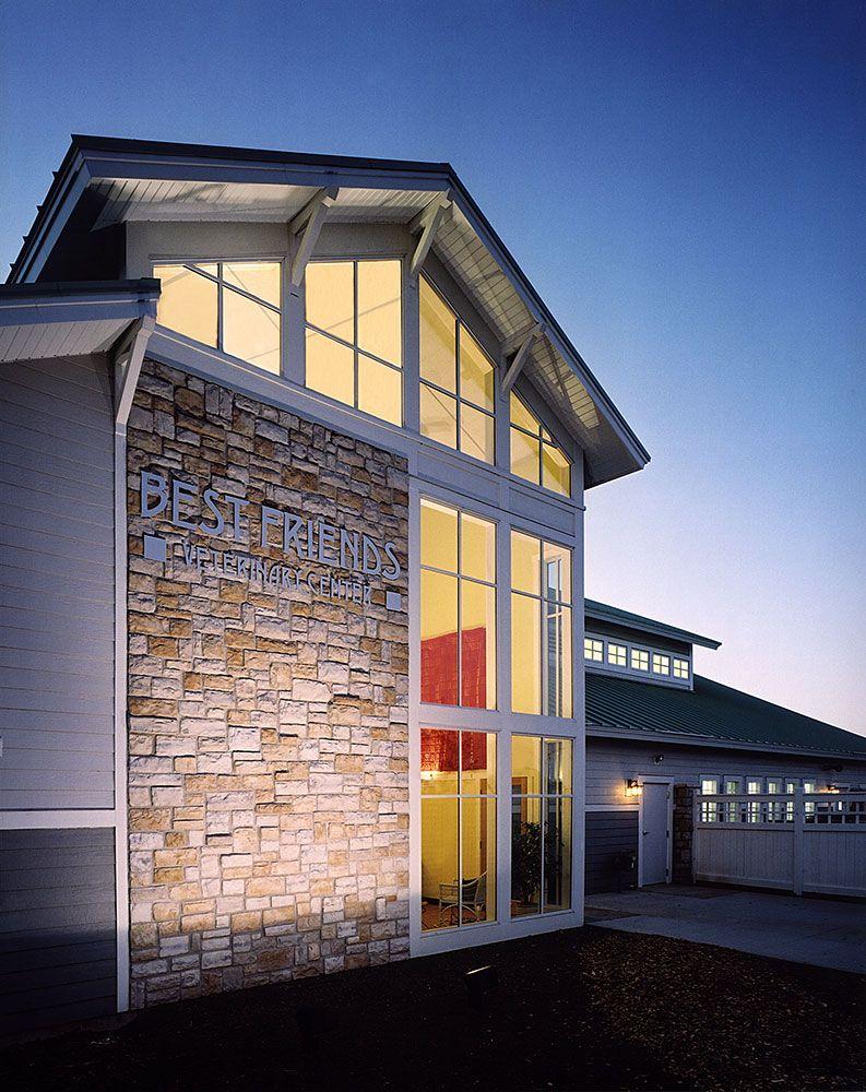 Prairie Style Veterinary Clinic Building Clinic design