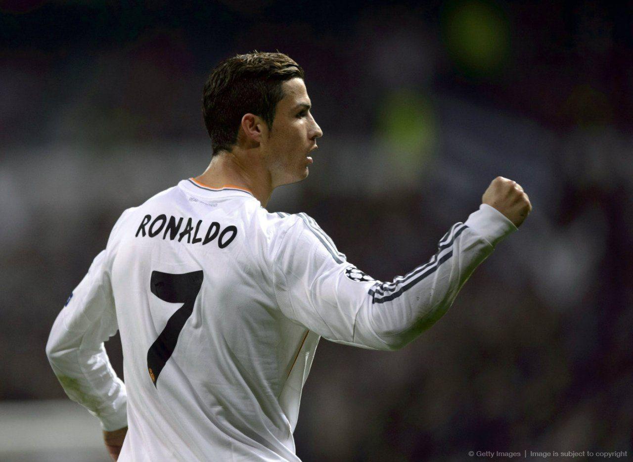 Cristiano Ronaldo, Real Madrid. ¡Pa' ver si este año sí le reconocen el Balón de Oro que es!
