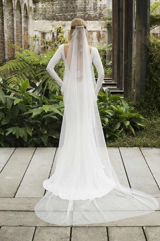 Minimalist Soft Tulle Veil Modern Wedding Veil Raw Edge Etsy Simple Wedding Veil Soft Tulle Veil Wedding Dress Flowy [ 1500 x 1000 Pixel ]