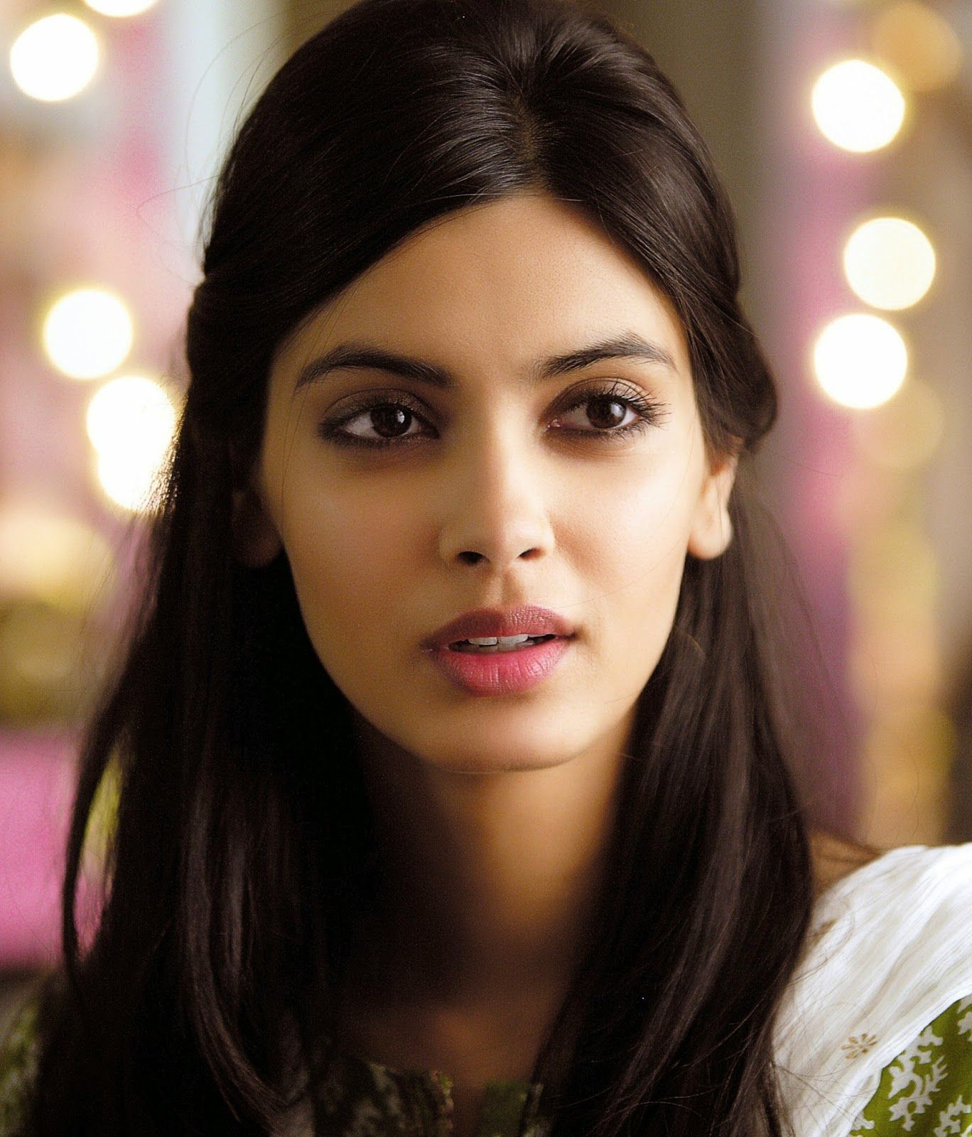 Diana Penty  Bollywood Beauties  Diana Penty, Beautiful -6500