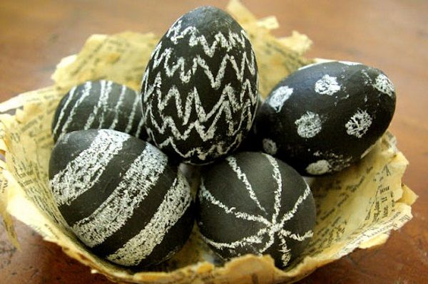 14 Awesome Easter Egg Ideas - http://slodive.com/inspiration/14-awesome-easter-egg-ideas/
