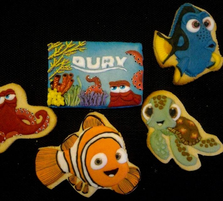 OF MICE AND raMEN: Finding Dory Theme Party Cookies Of Mice And Ramen #OMHGWW