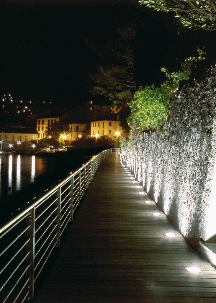 Outdoor Driveway Lighting: Ares Illuminazione