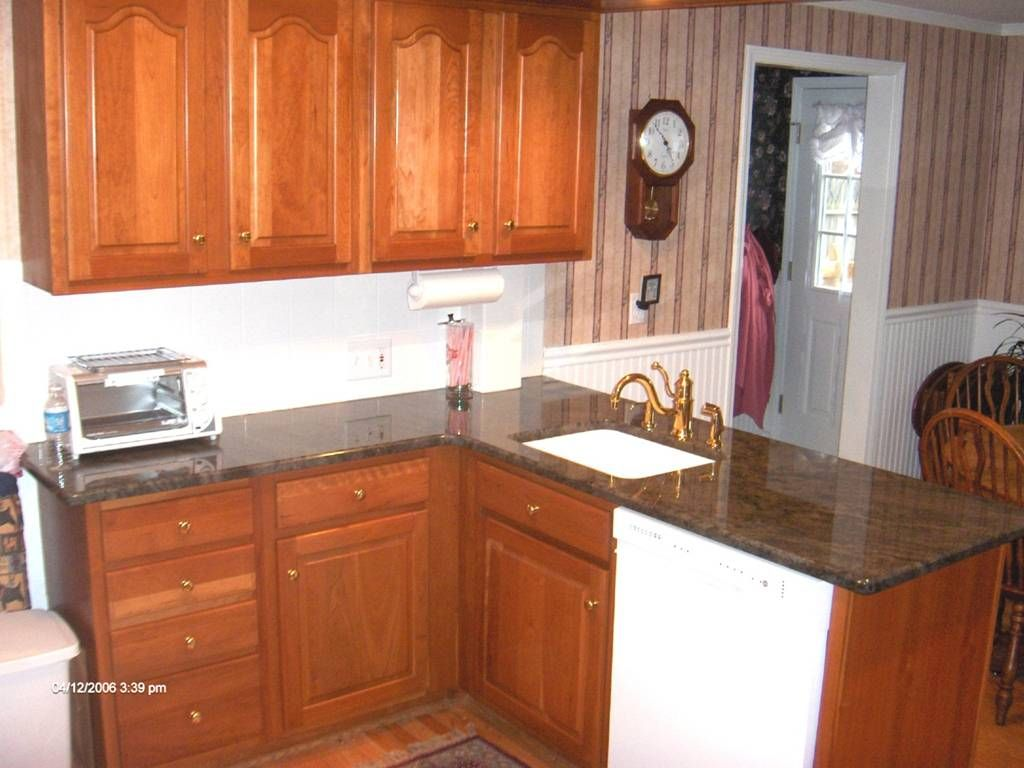 L Counter Kitchen With Images Kitchen Kitchen Remodeling Contractors Kitchen Remodel