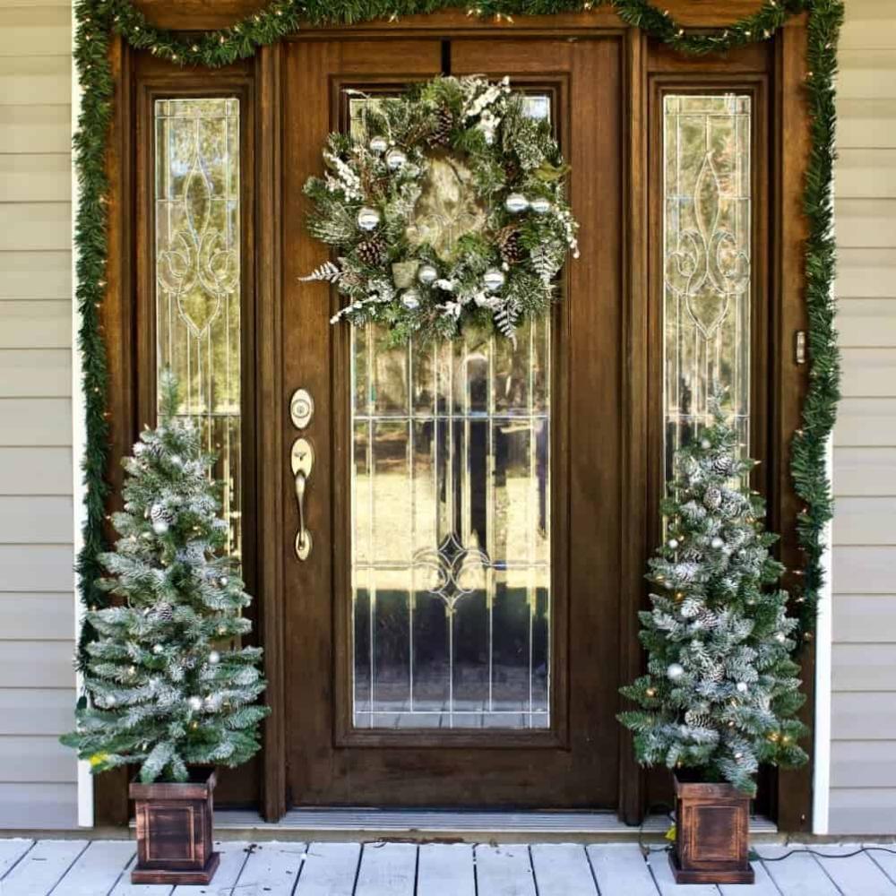 Front Door Christmas Decorating Ideas Christmas Front Doors Front Door Door Decorations