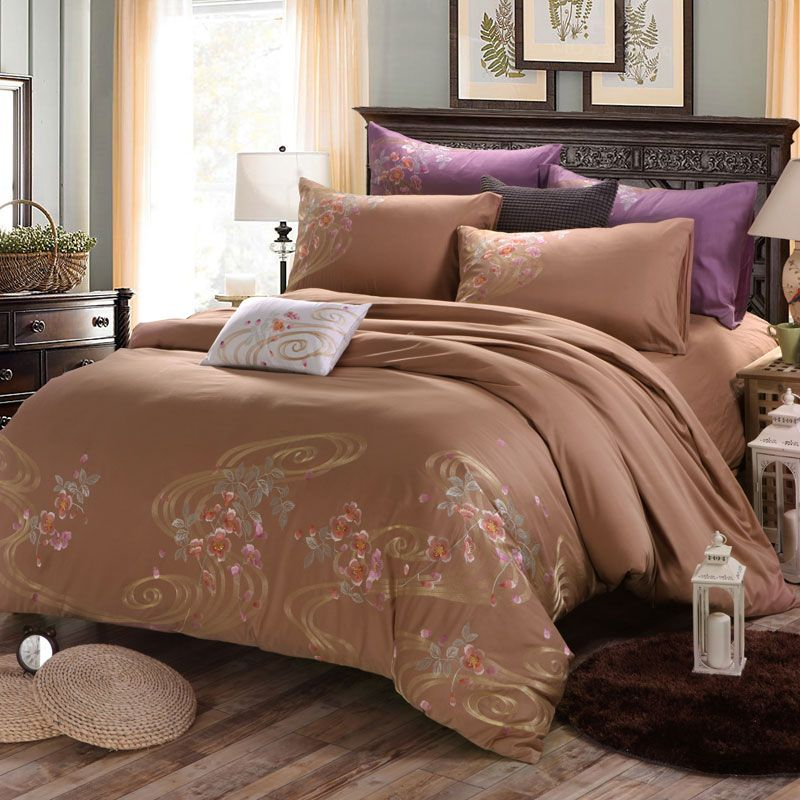 SunnyRain 4-Pieces Flowers Embroidery Luxury Bedding Set King Size
