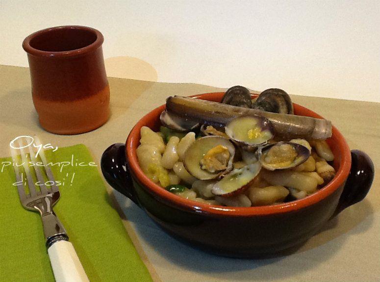 Gnocchi con vongole, cannolicchi e zucchine, ricetta