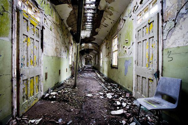 A Historic Insane Asylum Turned Hotel  Cfa35703d96c08a9040c39e79781cd9a