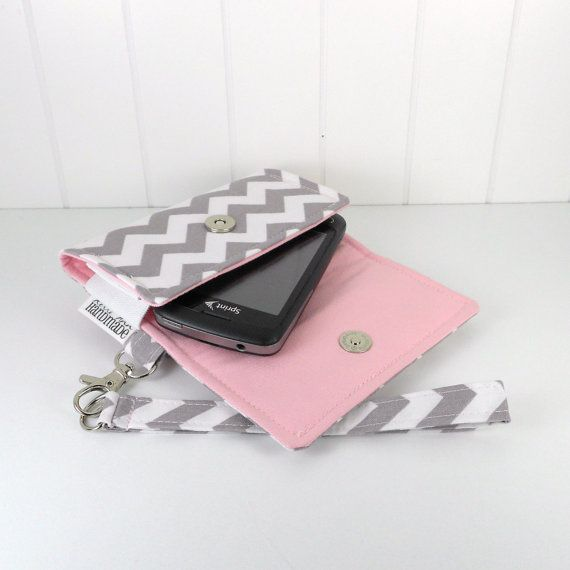 The Errand Runner - Cell Phone Wallet - Wristlet - for iPhone/Android - Chevron in Gray/Pink