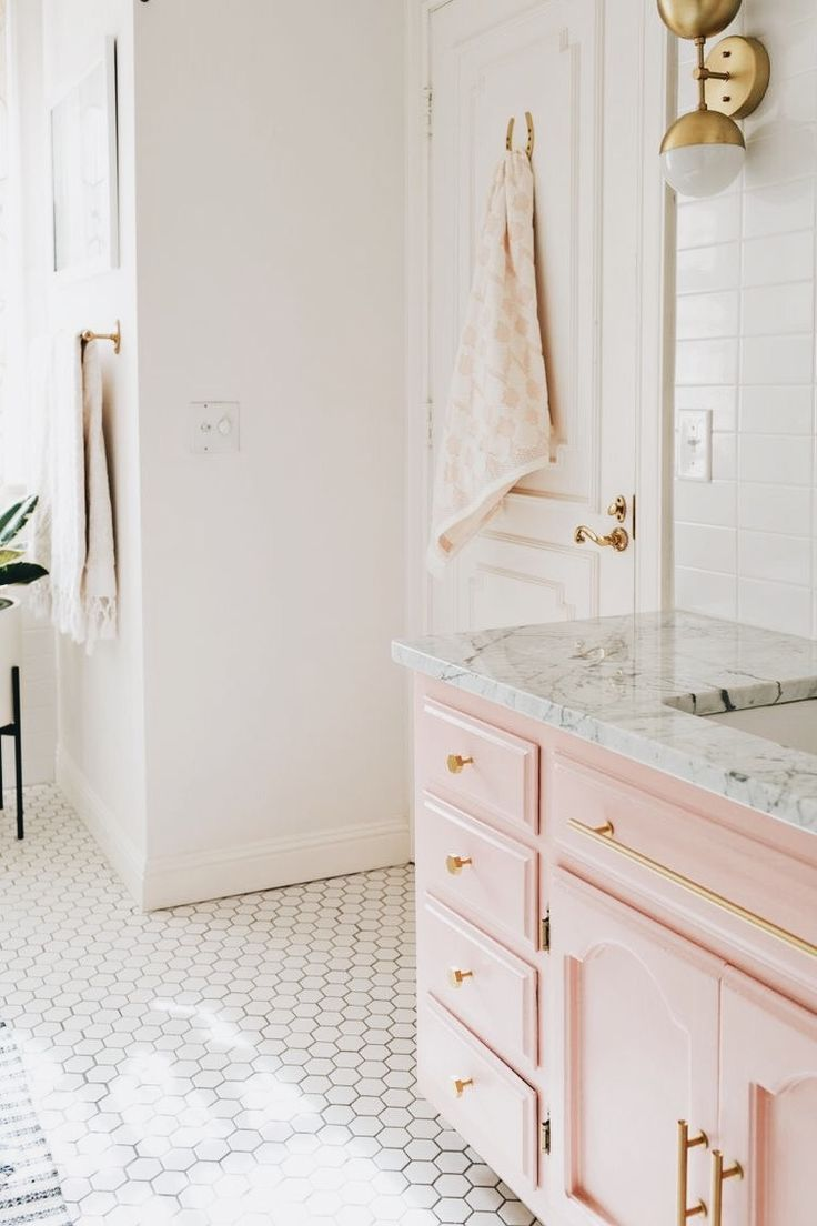 stay cute // ✧ | HOME | Pinterest | Gold marble, Drawer handles and ...