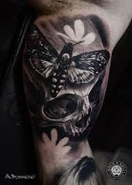 Photo of schwarz-graue realistische Schmetterlings-Tattoos – Google-Suche