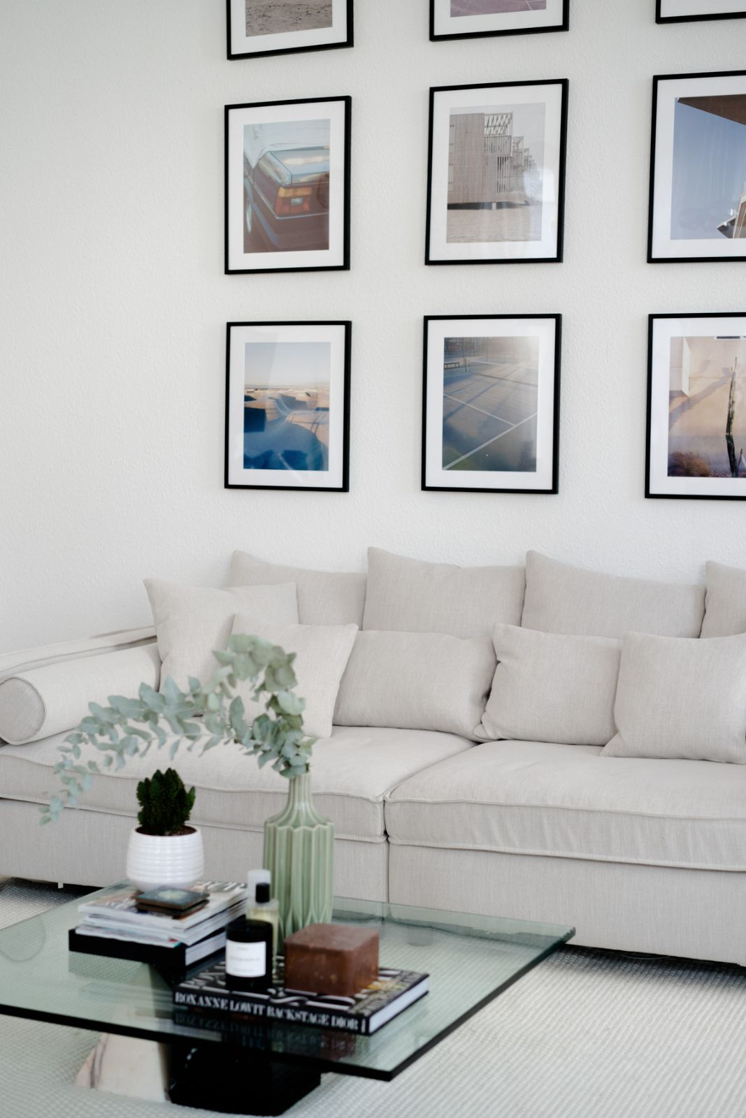 Unser neues sofa mr big von bolia vardagsrum big sofas sofa living room for Mr big live from the living room