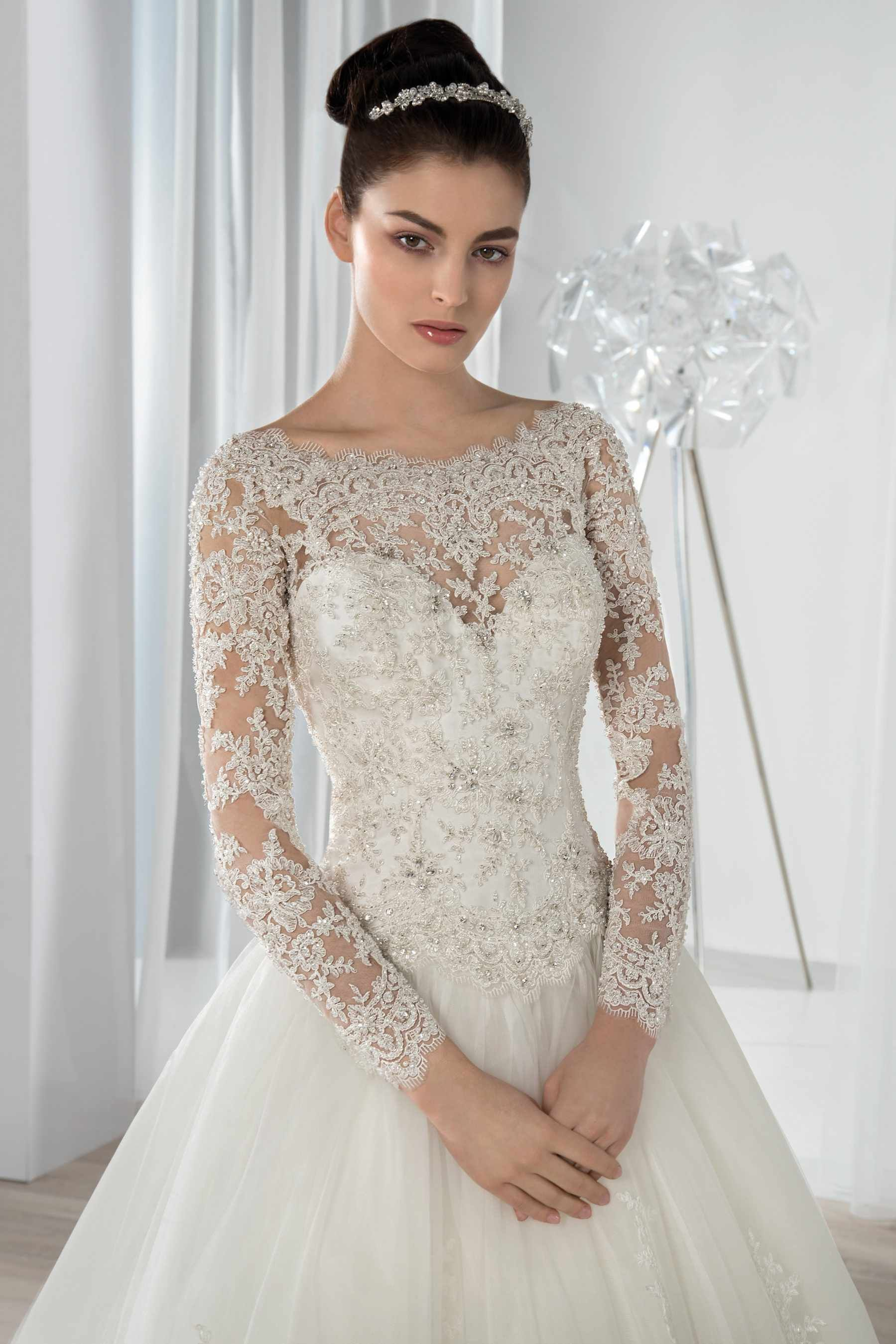 Collection Bridal Dresses Bold and Timeless. Ball gown