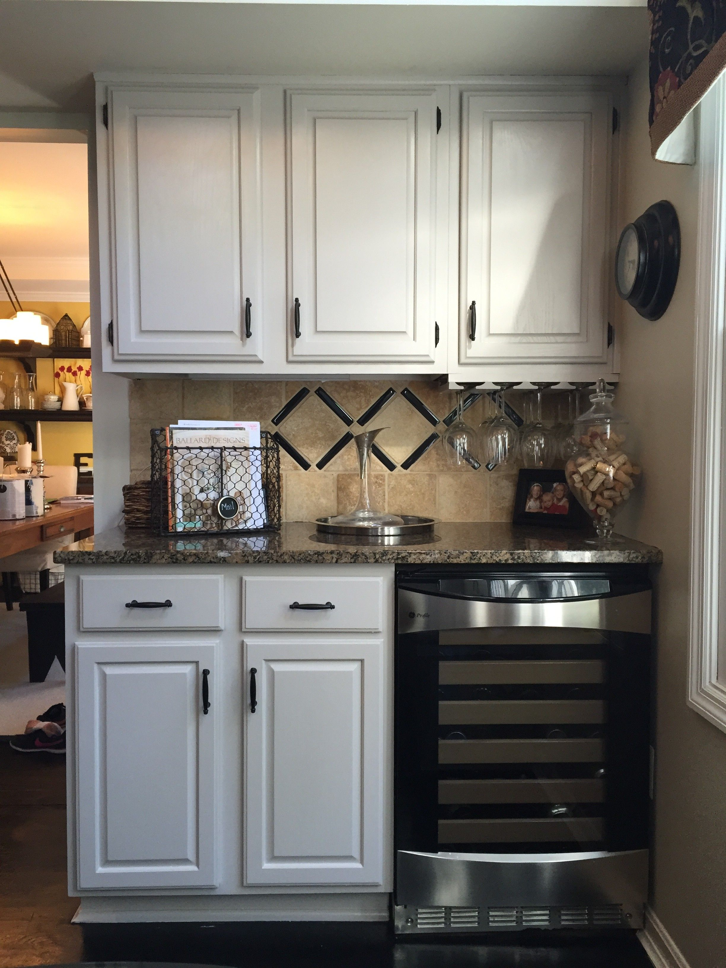 Step by Step instructions to DIY Painted Kitchen Cabinets