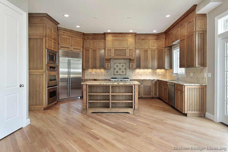 Traditional Light Wood Kitchen Cabinets in 2019 | Light wood ...