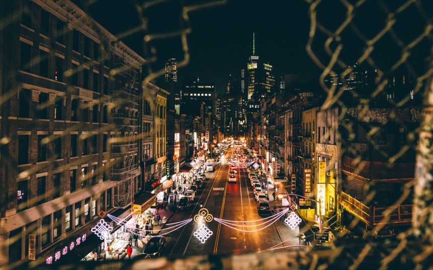 If you've not yet had the chance to grace the streets of New York, then get those flights booked, grab your camera and head over to the city that never sleeps. Follow in the footsteps of Canadian photographer...