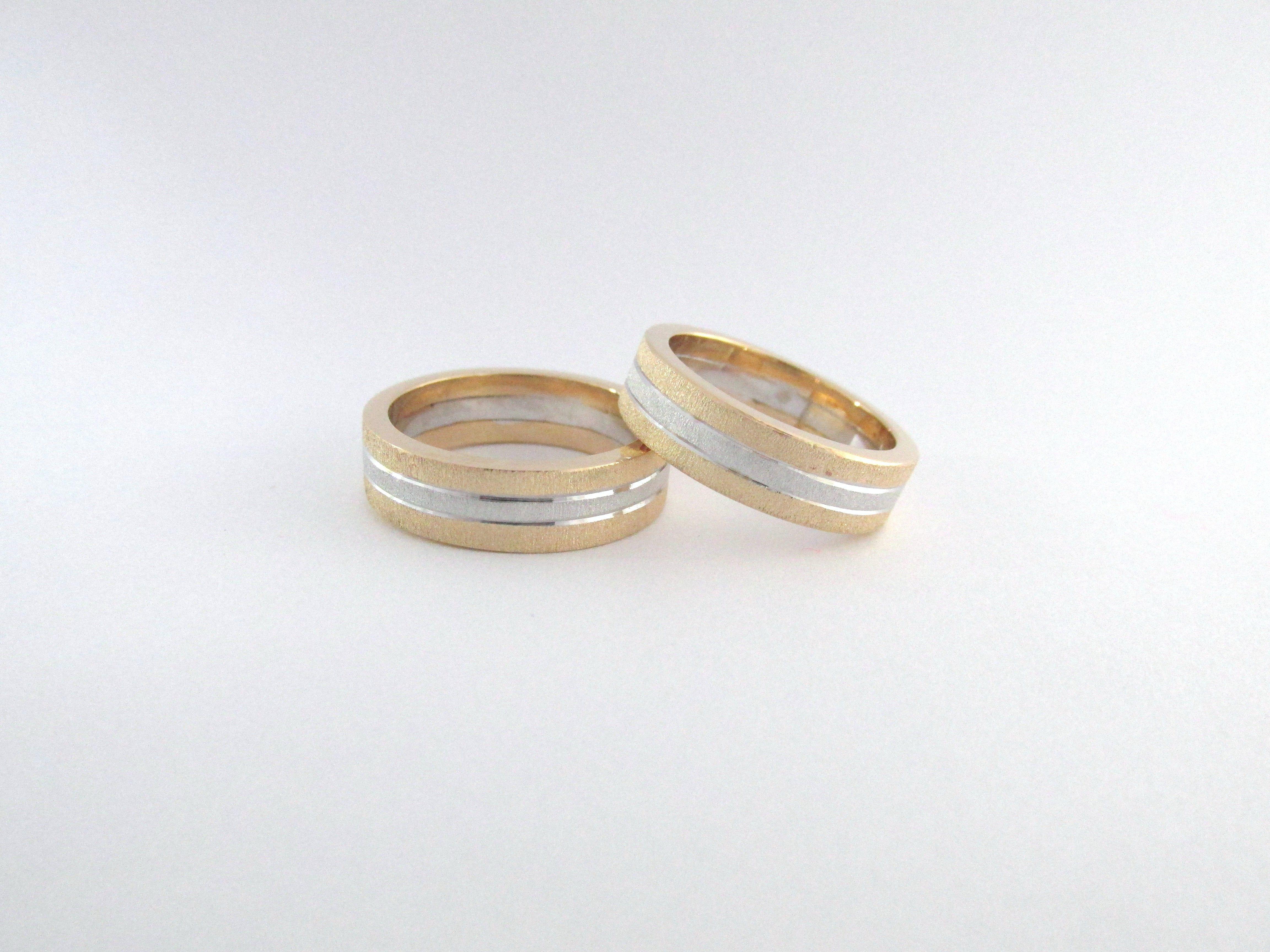 El Más Importante Símbolo Del Matrimonio Son Las Argollas Que Representan La Unión Y El Principio De La Vida Anillos De Pareja Anillo De Matrimonio Joyas Oro
