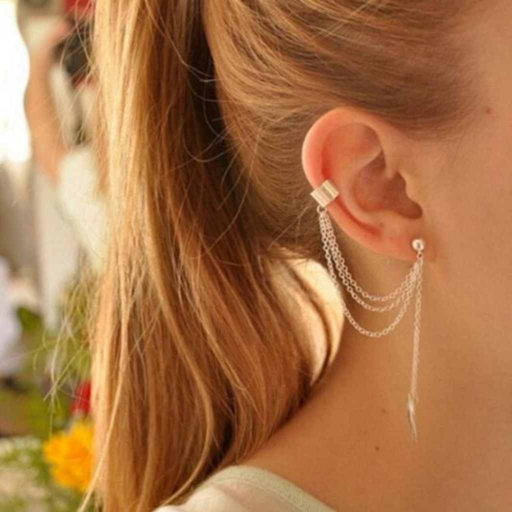 Let This Metallic Chain Ear Cuff Sparkle And Crawl Up Your Ear