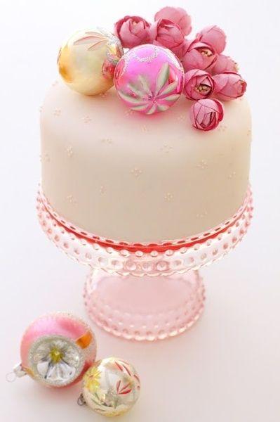 Pink Christmas Cake!