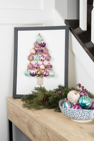 55 Awesome Modern Christmas Decorating Ideas | Modern christmas Christmas decor and Garlands & 55 Awesome Modern Christmas Decorating Ideas | Modern christmas ...