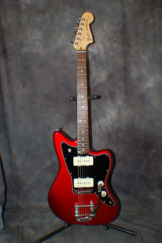Video Demo 2015 New Old Stock Fender Limited Edition Jazzmaster Bigsby Red Hard Case & Case Candy