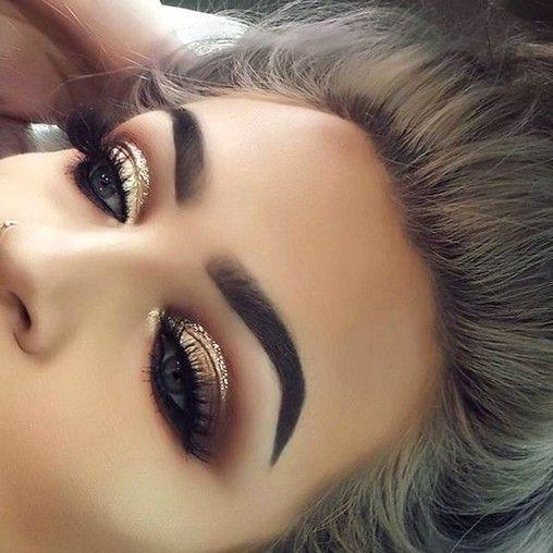 60+ schönsten Gold Glitter Eye Make-up, inspirierendes Design für Prom ... -  60+ schönsten Gold Glitter Eye Make-up [inspirierendes Design für Prom] – Seite 2 von 63 – At - #bronzeyemakeup #design #Eye #für #glitter #Gold #inspirierendes #Makeup #Prom #rosegoldeyemakeup #schonsten #smokeyeyemakeup #makeupprom