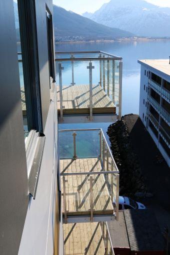 balcony glass railings #outdoor #balcony #beautiful #designe #madeinlatvia #siaToGet  #rekkverk #metall   #rustfritt stal #glass_rekkverk #balkonger