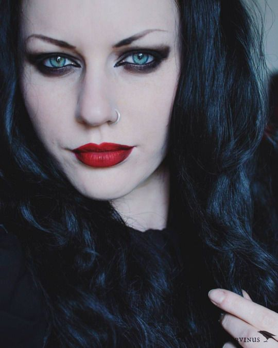 Magda Corvinus ҇ ¤Җ○Җ¤ ҇ Makeup ҇ ¤Җ○Җ¤҇ Pinterest Camisas - maquillaje de vampiro hombre