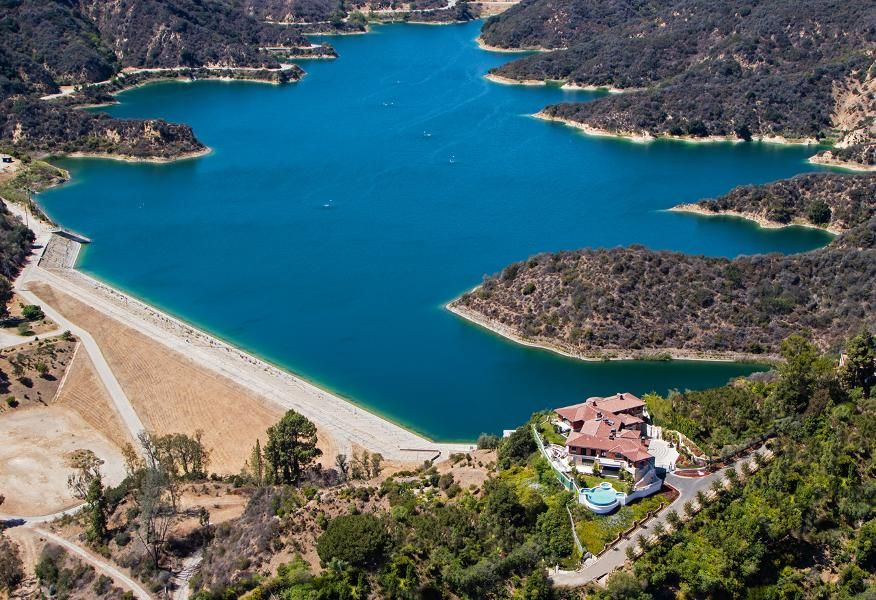 Stone Canyon Reservoir | Expensive Homes | Expensive houses