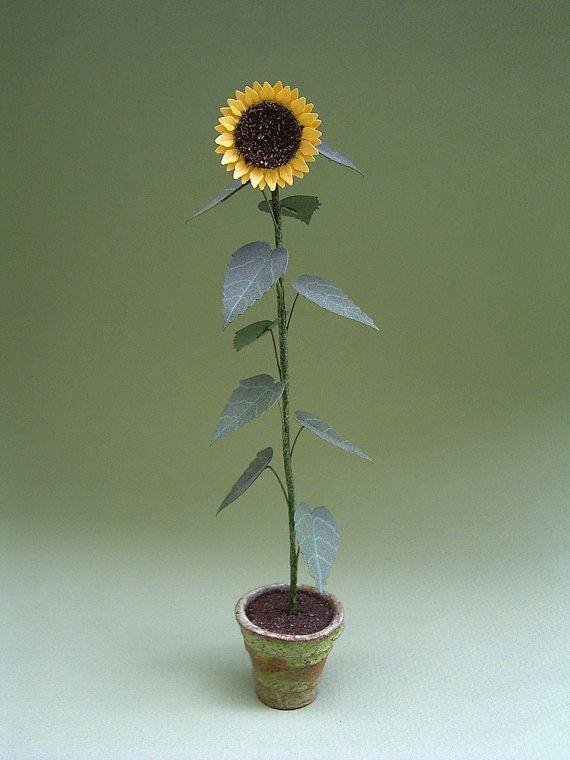 Giant Sunflower Plant Paper Flower Kit For 1 12th Scale Etsy Paper Flower Kit Planting Sunflowers Giant Sunflower