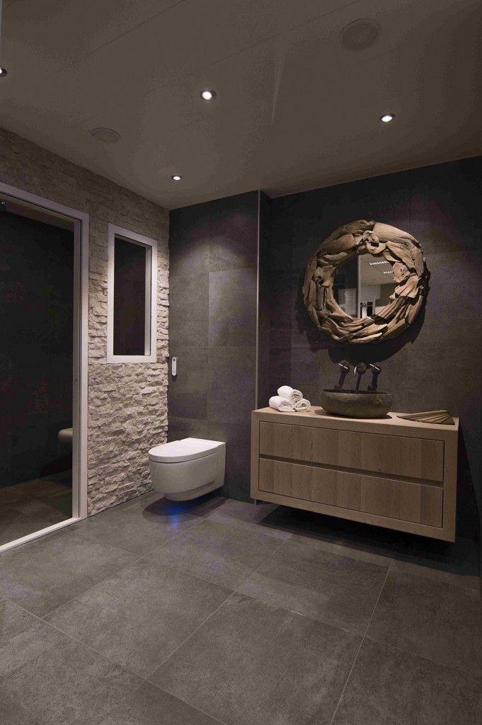 De mooiste badkamer showroom vindt u in Vlaardingen. Bakker Tegels ...