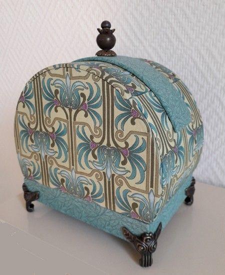 pingl par francine chevallier sur boite art deco. Black Bedroom Furniture Sets. Home Design Ideas