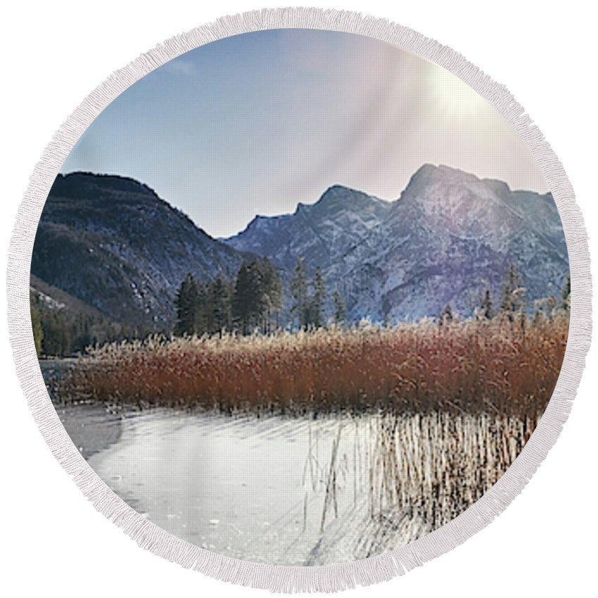 Almsee Almtal Austrium Cane Carry Cold Feet Ice Lake Landscape Mebut Obersterreich Reed Salzkammergut Will Winter Winterwalk
