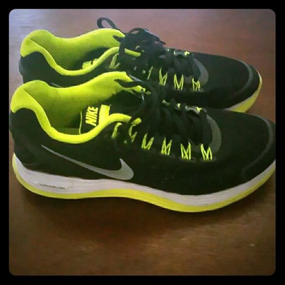 Nike lunarlon athletic shoes Black mesh with fluorescent yellow detail, worn maybe 4 times( boys size 5.5/women's 7) Nike Shoes Athletic Shoes