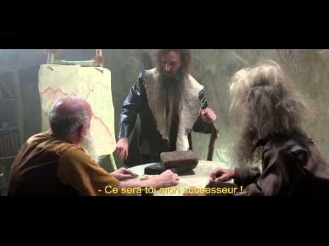 """La tribu des S'Nums épisode 2 : En visite chez les Trètrèlongu-gus. 6:AM signe la première campagne de publicité de Syntec numérique et lance la Websérie """"les S'Nums"""", une tribu préhistorique passionnée des technologies numériques, qui ont envie d'en faire profiter les tribus voisines... http://www.group.fullsix.fr/fr/actus/press-release/snums.aspx"""