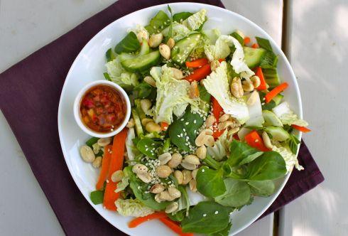 Gwyneth Paltrow\u0027s Vietnamese salad Food! Pinterest Salad