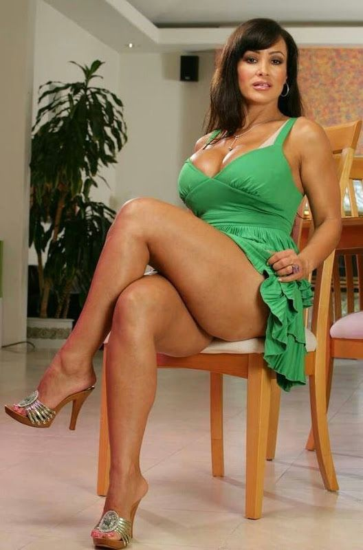 lovely sexy mature | mature legs (beauties showing their sensuous