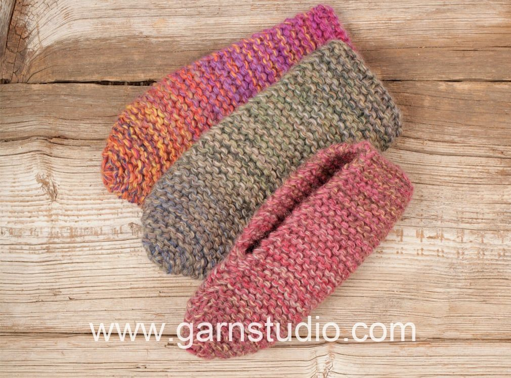 How to knit the slippers in DROPS Extra 0-1279 | Sutsko | Pinterest ...