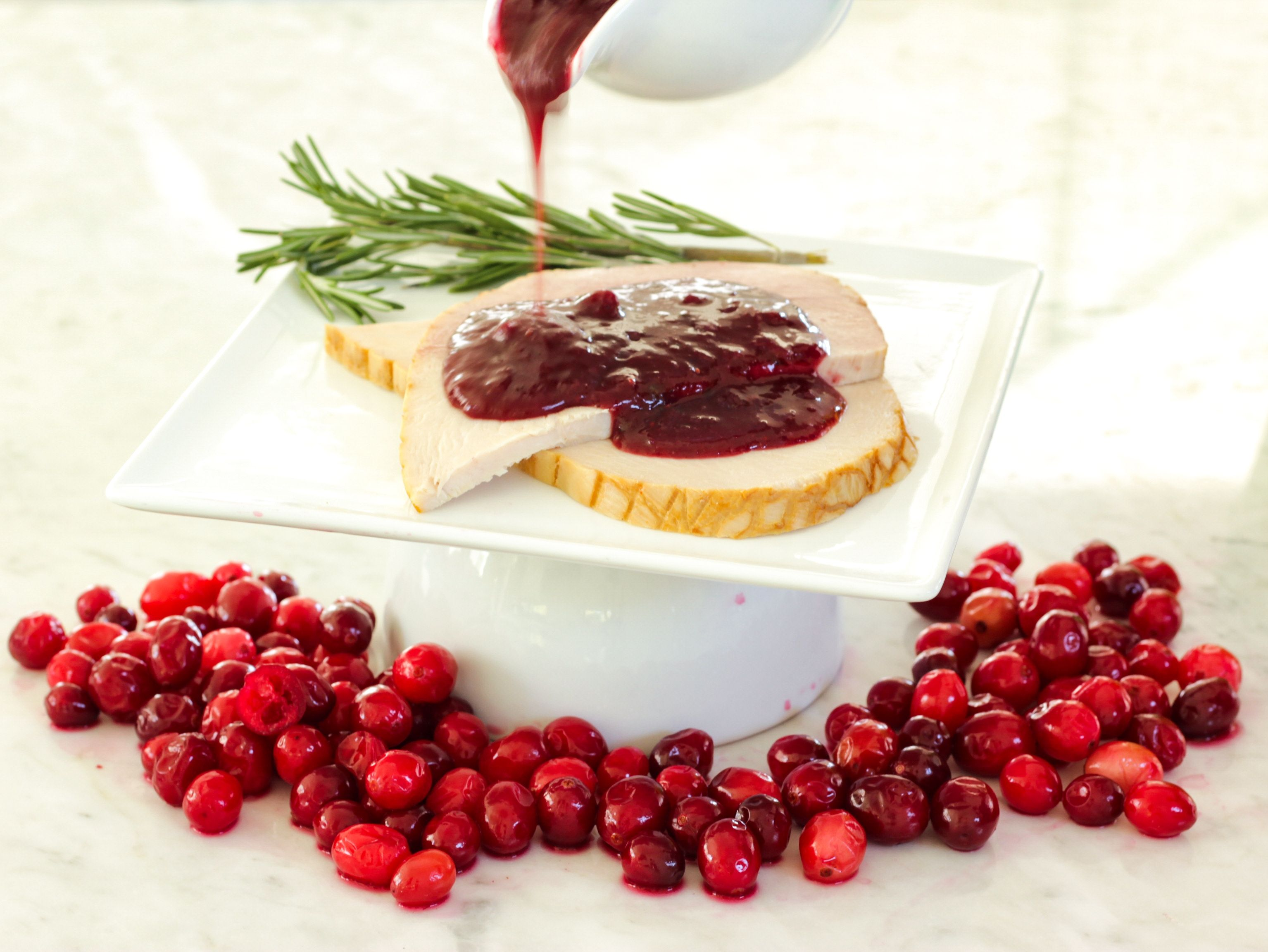 Cranberry Red Wine Sauce Recipe Swerve In 2020 Red Wine Sauce Sugar Free Recipes Cranberry Recipes