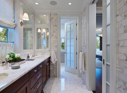 Bathroom Entry Doors With Frosted Glass And Aluminum Frame Doors Decolover Net Traditional Bathroom White Bathroom Small Bathroom