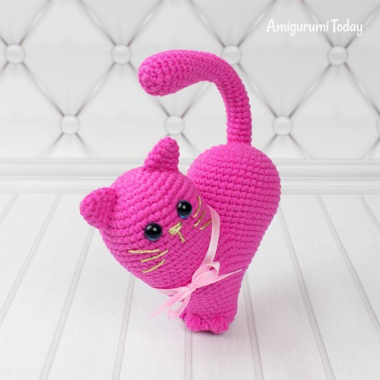 Lying kitten amigurumi pattern | Gato de crochê, Bonecas de crochê | 768x768