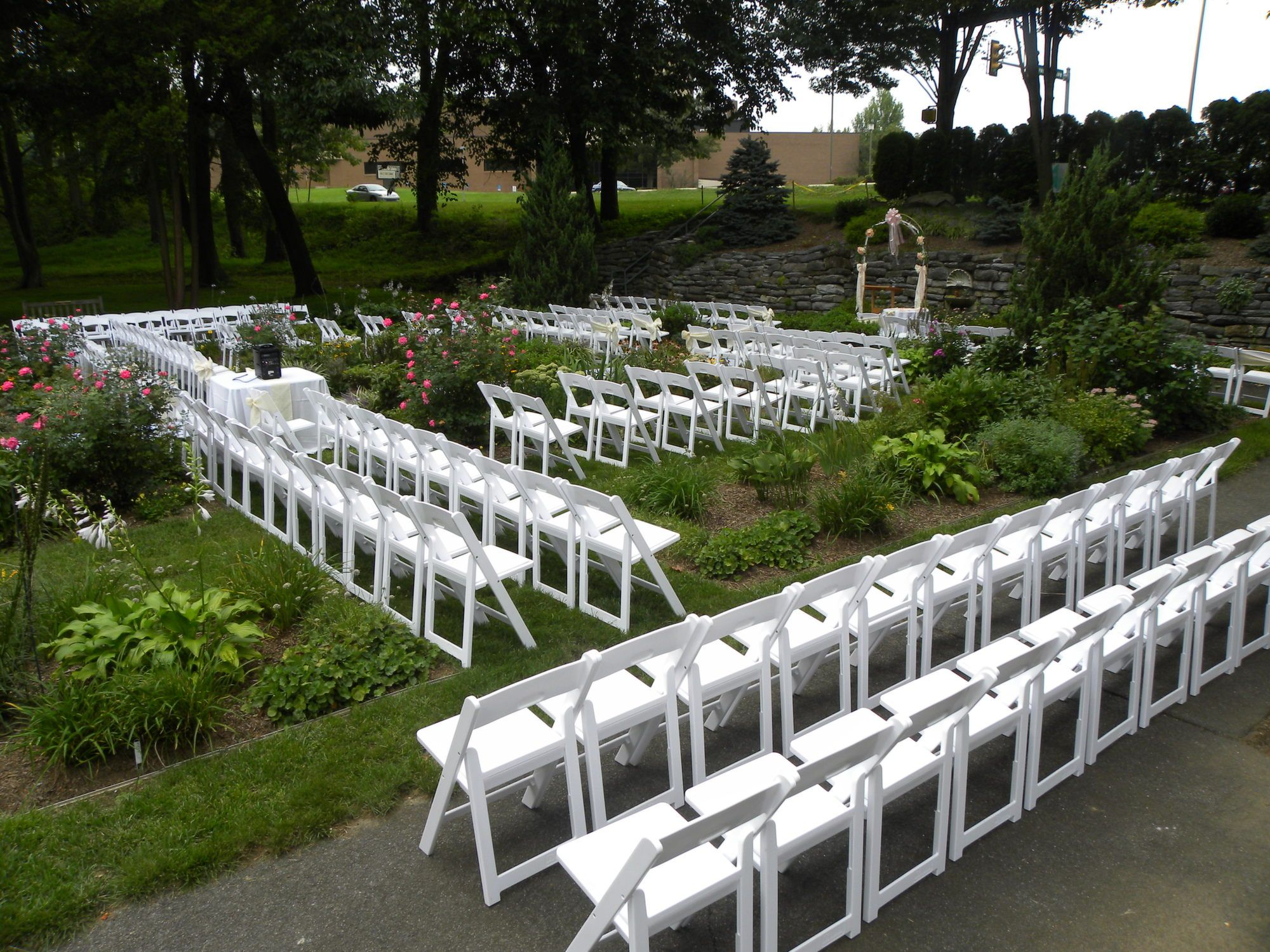 A Wedding Ceremony Set For 175 In The Perennial Garden At Reading Public Museum