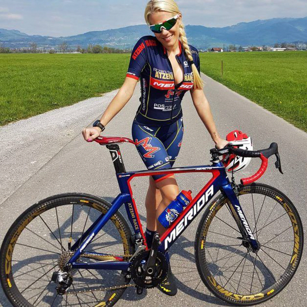 Types Of Bikes Cycling Girls Female Cyclist Cruiser Bike