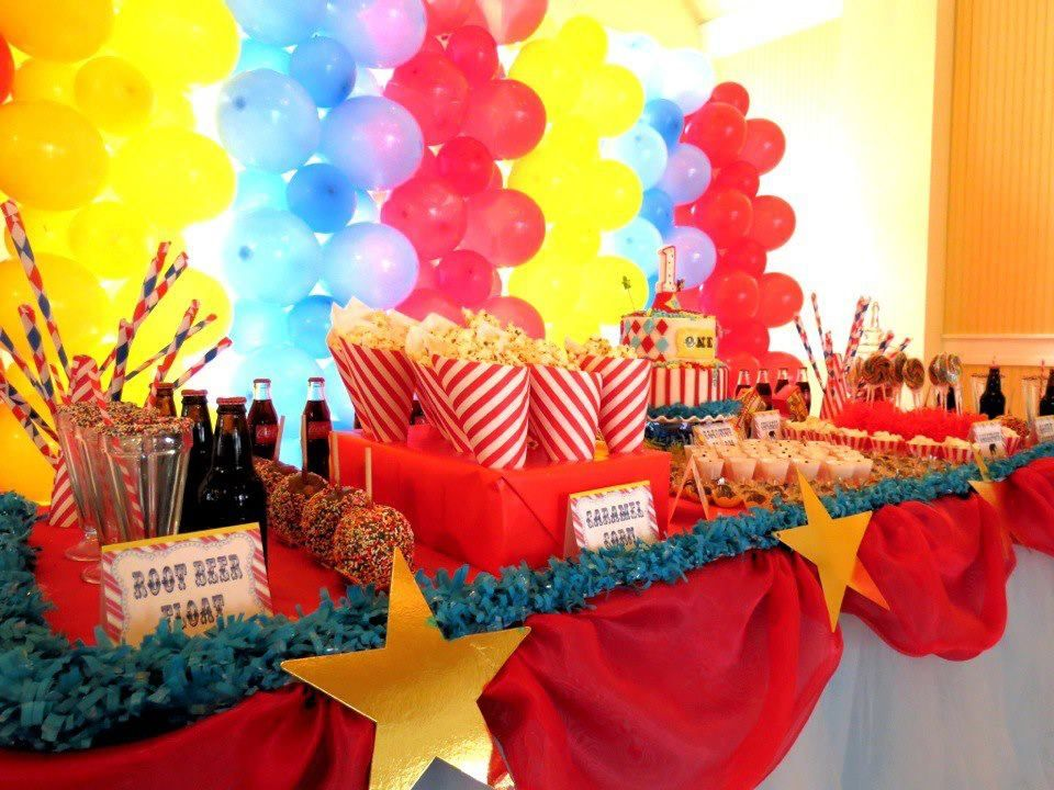 Carnival Birthday party table set up Birthdays Pinterest