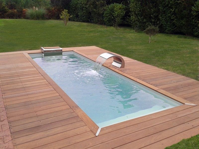 un mod le iki avec une lame d 39 eau pour un effet fontaine piscine pinterest swimming. Black Bedroom Furniture Sets. Home Design Ideas